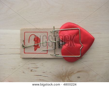 Symbol In Shape Of Heart In Mousetrap