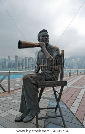 Direktor Statue