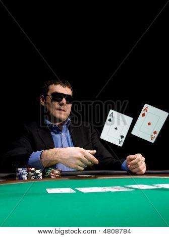 Doblar en el Poker con dos ases
