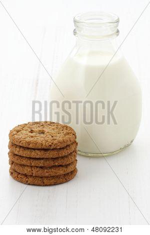 Fresh Milk And Oatmeal Cookies