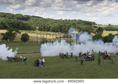GETTYSBURG, PENNSYLVANIA - JULY 7: Participants at the 150th anniversary of the American Civil War on July 7, 2013 in Gettysburg, Pennsylvania. From 1861-1865 over 640,000 combatants lost their lives.