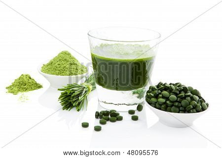 Healthy Living. Spirulina, Chlorella And Wheatgrass.