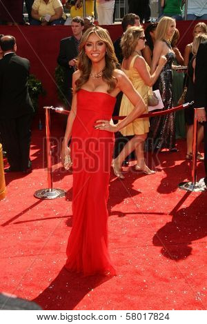 Giuliana Rancic  at the 60th Annual Primetime Emmy Awards Red Carpet. Nokia Theater, Los Angeles, CA. 9-21-08