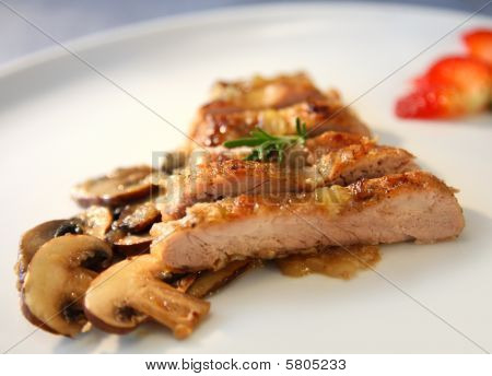 PORK MENU WITH CHAMPIGNONS