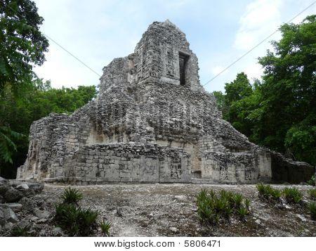 Hormiguero Maya temple