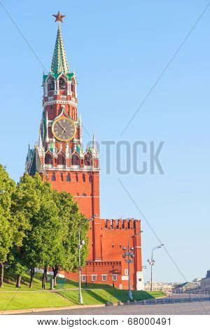 Kremlin's Spassky Tower With Chimes And Blue Sky