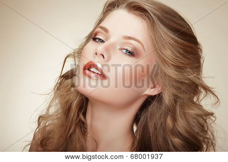 Genuine Comely Woman With Flossy Whity-brown Hair