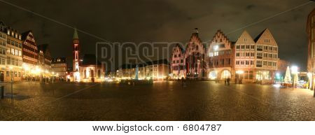 Frankfurt  - panorama of townhall Römer at night