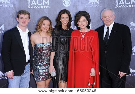 LOS ANGELES - APR 06:  Jerry Jones arrives to the 49th Annual Academy of Country Music Awards   on April 06, 2014 in Las Vegas, NV.