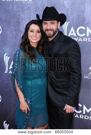 LOS ANGELES - APR 06:  Craig Campbell & MIndy Campbell arrives to the 49th Annual Academy of Country Music Awards   on April 06, 2014 in Las Vegas, NV.