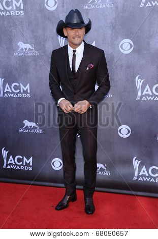LOS ANGELES - APR 06:  Tim McGraw arrives to the 49th Annual Academy of Country Music Awards   on April 06, 2014 in Las Vegas, NV.