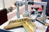 image of cleaving  - Photo frame making tools - JPG