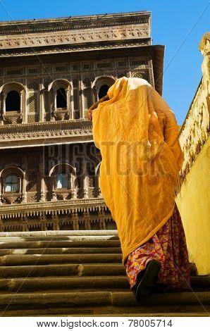 Hindu lady in Mehrangarh Fort, Rajasthan, India.