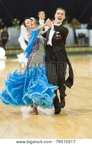 Minsk-belarus, October 5, 2014: Professional Dance Couple Of Alexander Samosyuk And Yana Tudvaseva P