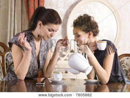 Friends Drink Tea