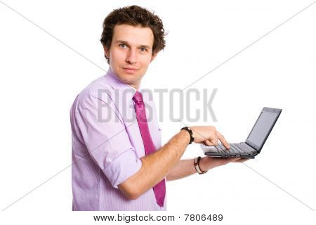 Machen große Augen beim Schreiben auf Netbook-Computer, isoliert