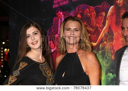 LOS ANGELES - DEC 10:  Tallulah Tepper, Serena Scott Thomas at the