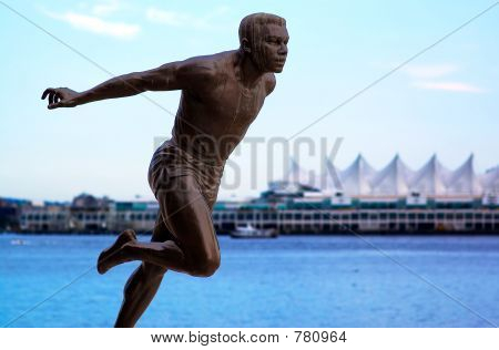 The running statue