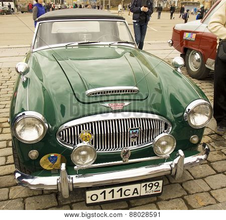 Retro Car Austin Healey