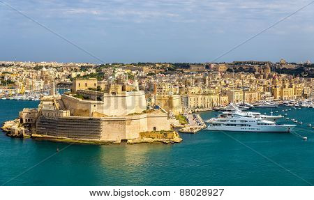 View Of Dockyard Creek In Valletta - Malta