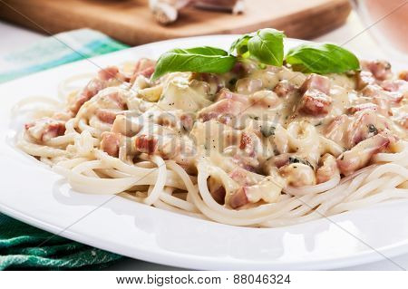 Spaghetti Carbonara With Bacon And Basil