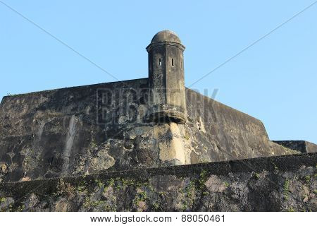 walls of old Fort