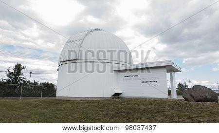 An observatory housing a telescope