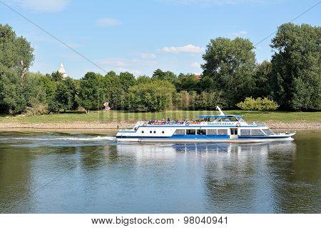 Excursion boat