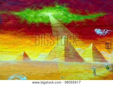 Street art pyramid