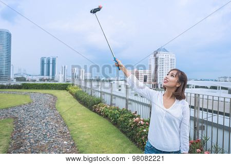 Photographing with selfie stick