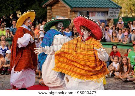 Orel, Russia, August 01, 2015: Mumu Fest, Turgenev's Story Art-festival, Mime, Pantomime, Clowns Dan