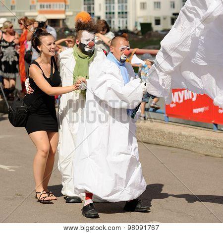 Orel, Russia, August 01, 2015: Mumu Fest, Turgenev's Story Art-festival, Mimes, Pantomime, Clowns Da