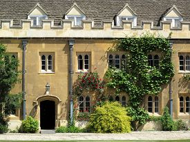 foto of trinity  - The South Side of the Great Court of Trinity College Cambridge University - JPG