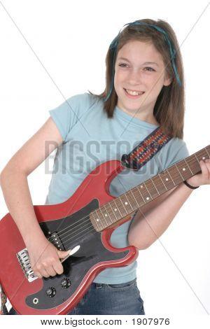 Gitarrespielen 4 junge Pre-Teen-Girl