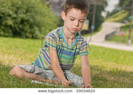 Dibujo de niño al aire libre