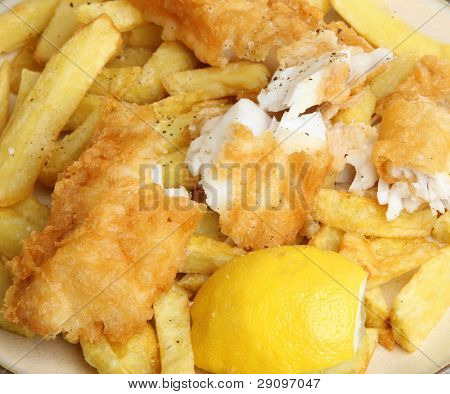 Fried fish with chunky chips