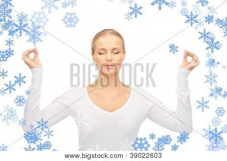 brilhante imagem da mulher na meditação sobre branco.