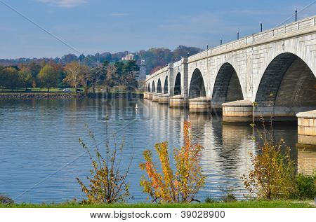 Washington D.C., Arlington Memorial Bridge with reflection on Potomac River - United States of America