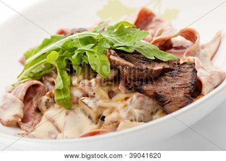 Pasta with Beef, Mushrooms, Lettuce, Herbs and Cream Sauce