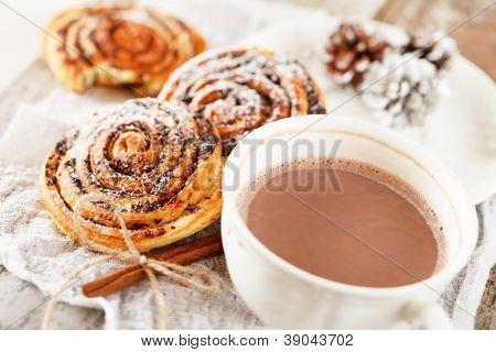 cinnamon rolls with cocoa