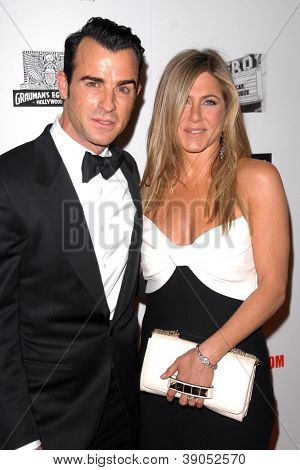 LOS ANGELES - NOV 15:  Justin Theroux, Jennifer Aniston arrives for the 26th American Cinematheque Award Honoring Ben Stiller at Beverly Hilton Hotel on November 15, 2012 in Beverly Hills, CA