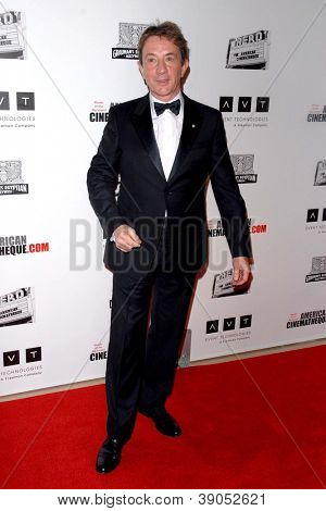LOS ANGELES - 15 de NOV: Martin Short chega para o 26 American Cinematheque Award honrando Ben St