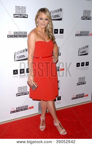 LOS ANGELES - 15 de NOV: Christine Taylor chega para 26 American Cinematheque Award honrando estar