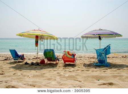 Colorful Ocean Beach Setting