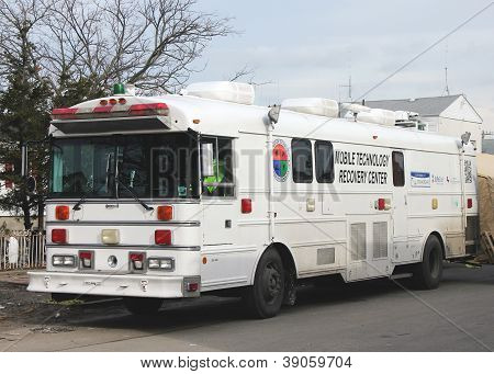 Mobile technology recovery center