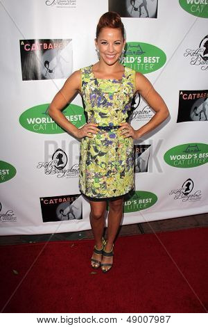 LOS ANGELES - AUG 4:  Amy Paffrath arrives at L.A.'s Feline Rescue Center's