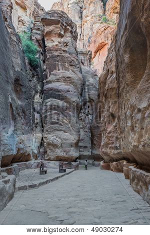 the siq path in nabatean petra jordan middle east