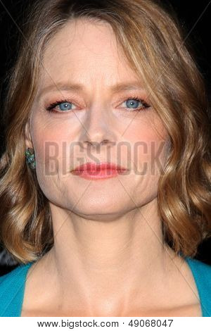 LOS ANGELES - AUG 7:  Jodie Foster arrives at the