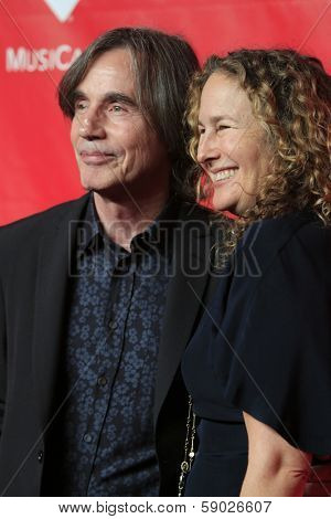LOS ANGELES - JAN 24:  Jackson Browne, Dianna Cohen at the 2014 MusiCares Person of the Year Gala in honor of Carole King at Los Angeles Convention Center on January 24, 2014 in Los Angeles, CA