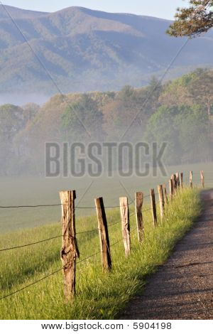 Fence Sunrise Cades Cove Img_2228